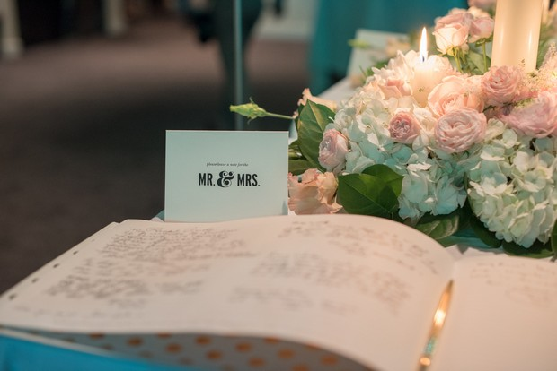 Wedding-guestbook-tradtional-display