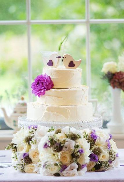 buttercream-wedding-cake-three-tier-selinas
