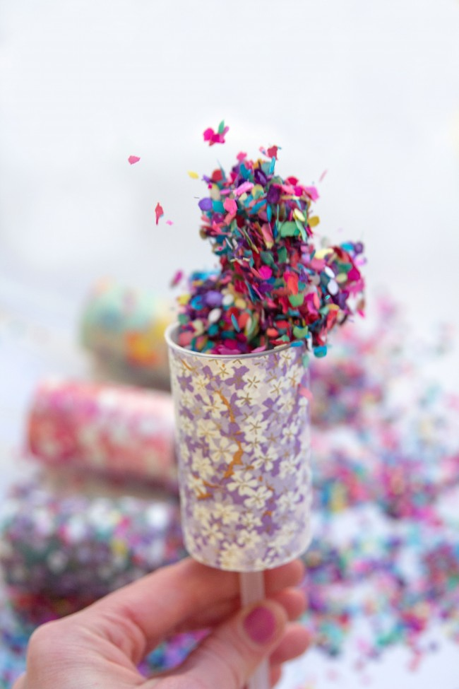 confetti-pops-colourful-wedding
