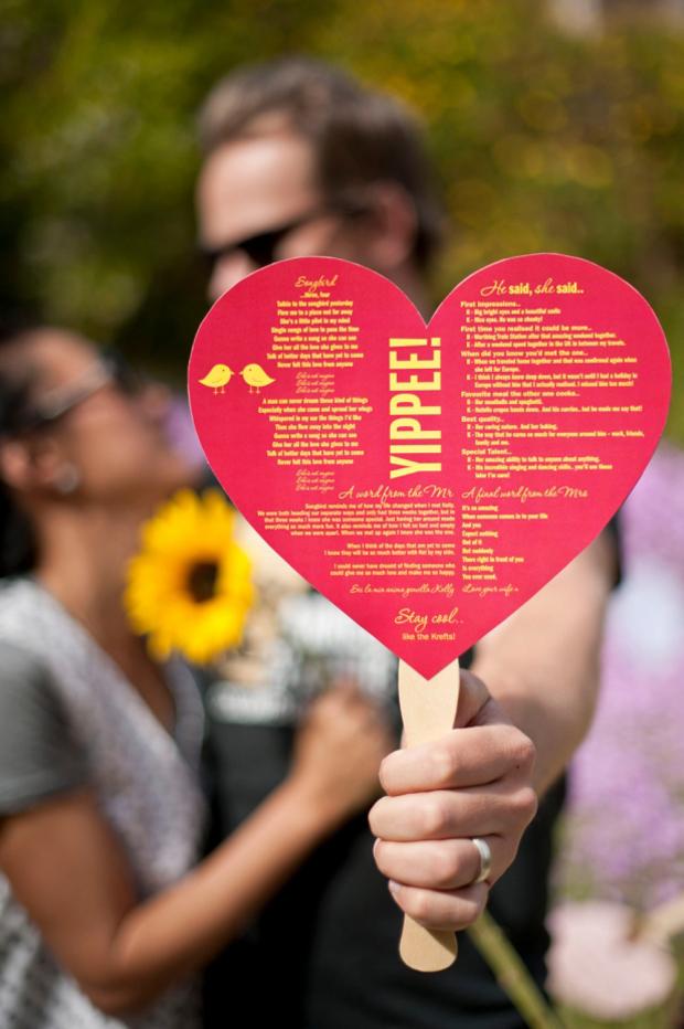 heart-shaped-yippee-wedding-ceremony-fan