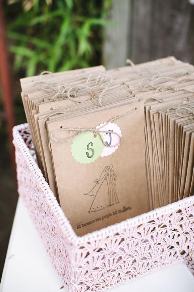 kraft-paper-illustrated-ceremony-booklet