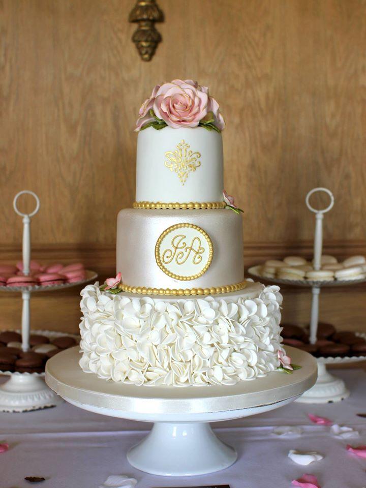 monogrammed-show-stopping-wedding-cake-gold-french-ireland