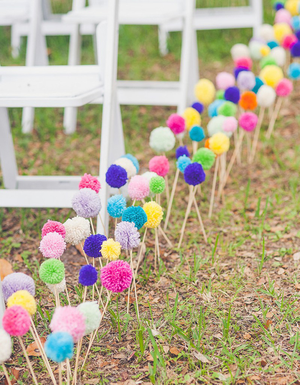 pom-pom-aisle-markers-wedding