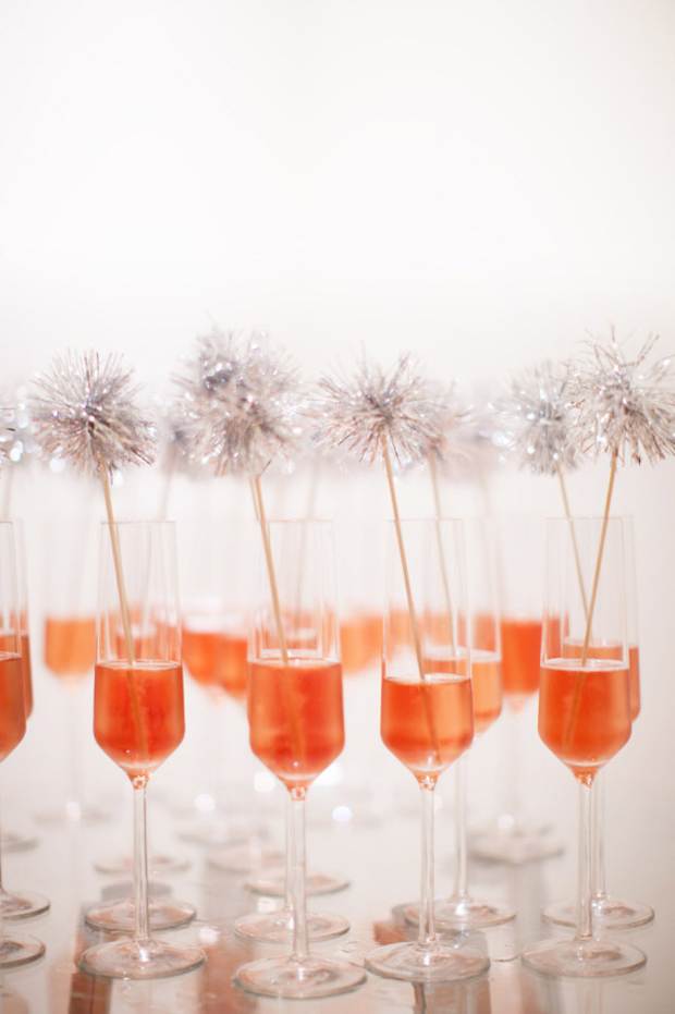 pom-pom-drink-stirrers-wedding-recpeption
