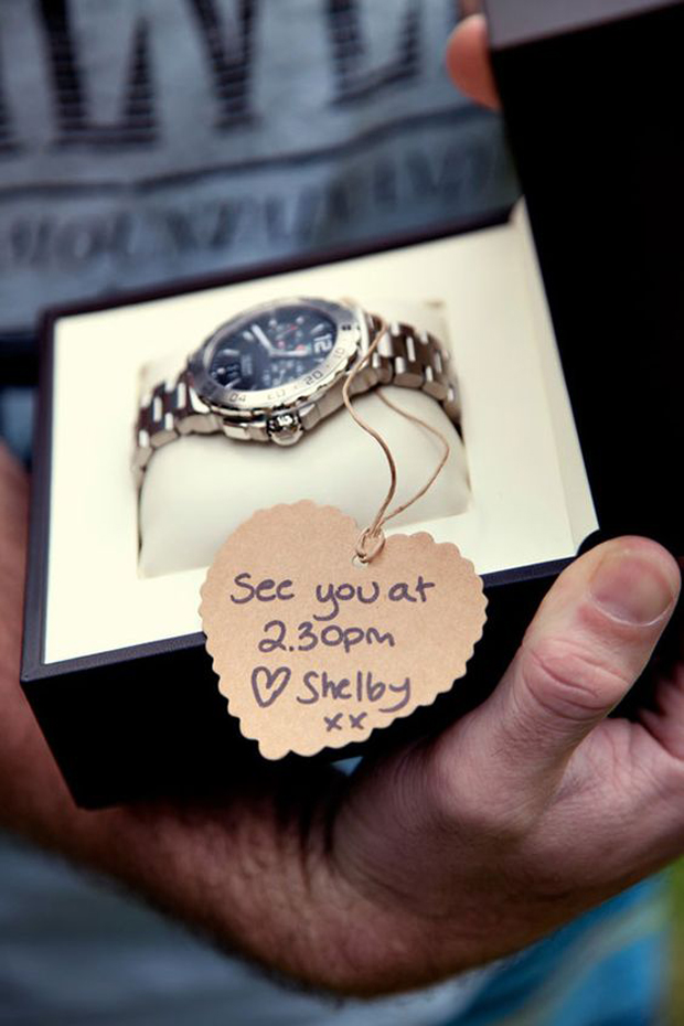sweet-wedding-morning-gift-ideas-for-couples-watch-withdon't-be-late-message