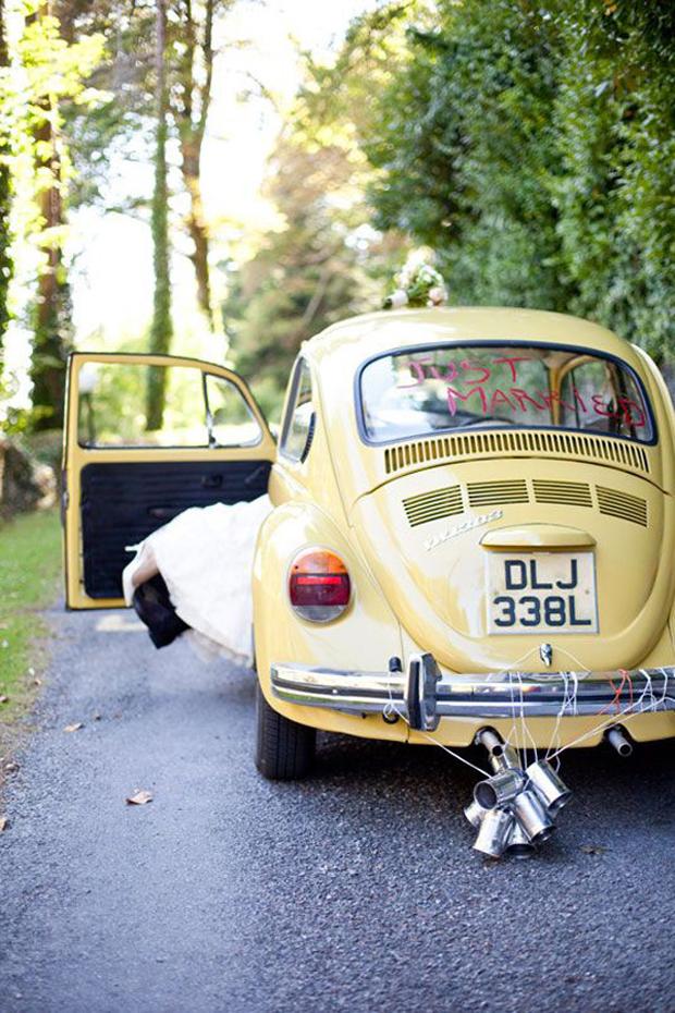 wedding-getaway-car-just-married-lipstick