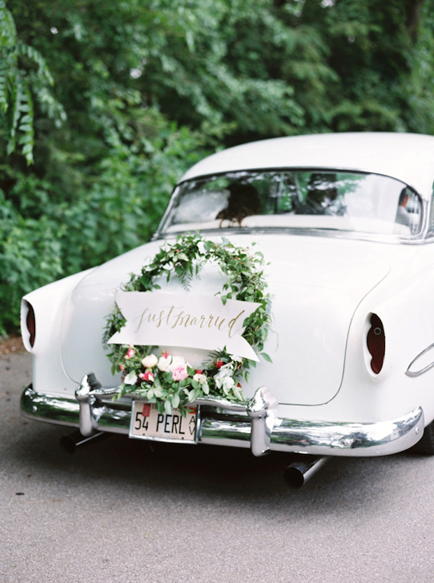10 gorgeous ways to decorate your wedding getaway car weddingsonline wedding getaway car with floral wreath junglespirit Choice Image