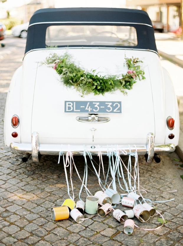 wedding-getaway-car-with-tin-cans