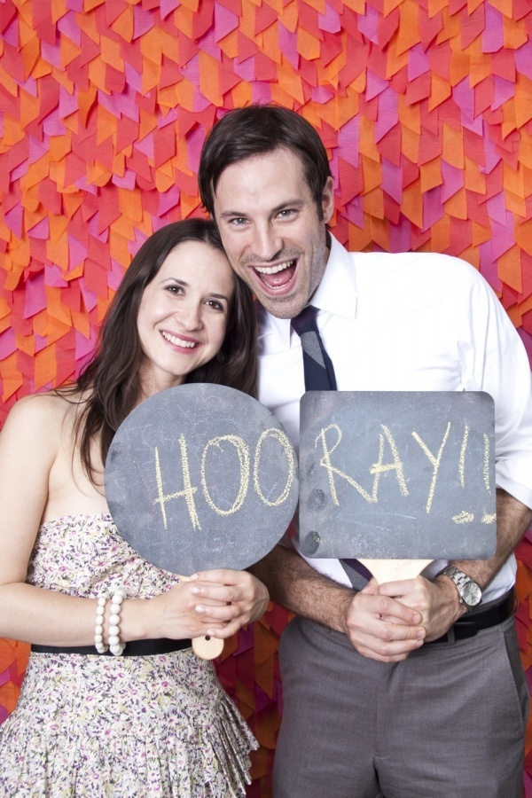 wedding-photo-booth-backdrop-ideas-colourful-couple