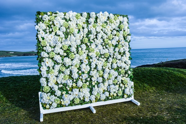 wedding-photobooth-backdrop-ideas-flower-wall-nfete-ireland