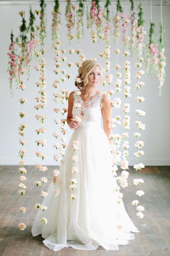 wedding-photobooth-backdrop-ideas-romantic-flower-drop