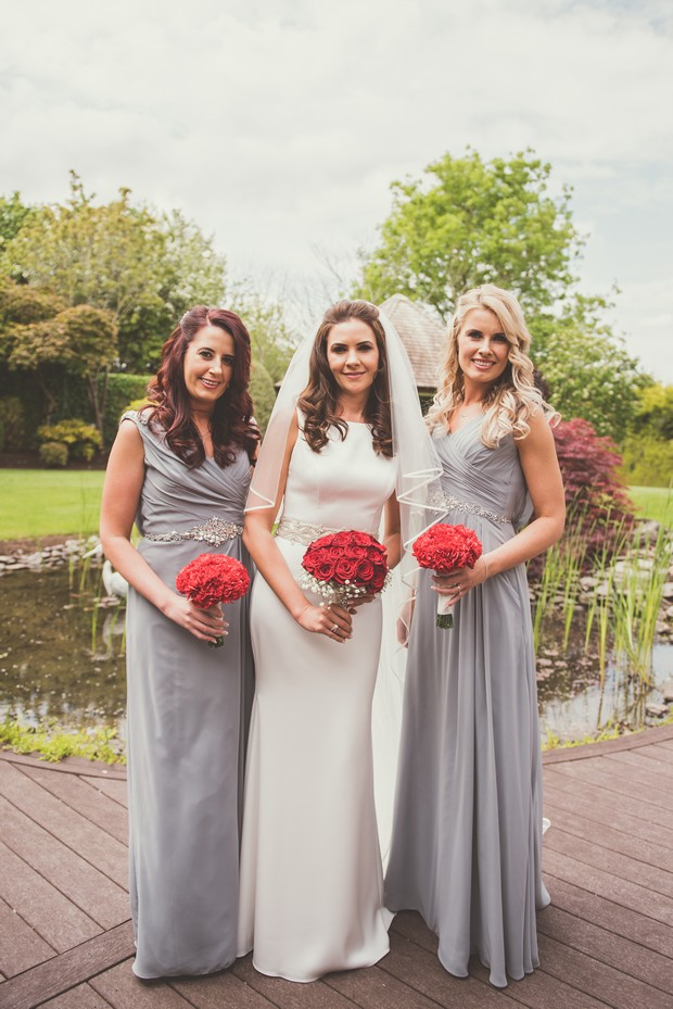 20-Bridesmaids-Slate-grey-dresses-red-rose-bouquet