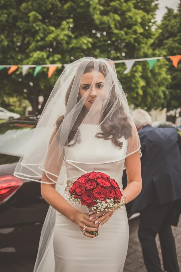 22-Classic-Vintage-Style-Bride-Veil-Face-weddingsonline