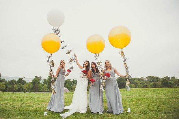 29-bride-bridesmaids-giant-balloons-yellow-grey-wedding-weddingsonline (2)