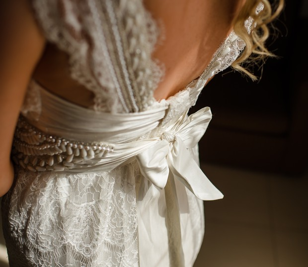 8-Real-Bride-Anna-Campbell-Coco-Wedding-Dress-Details-weddingsonline (2)