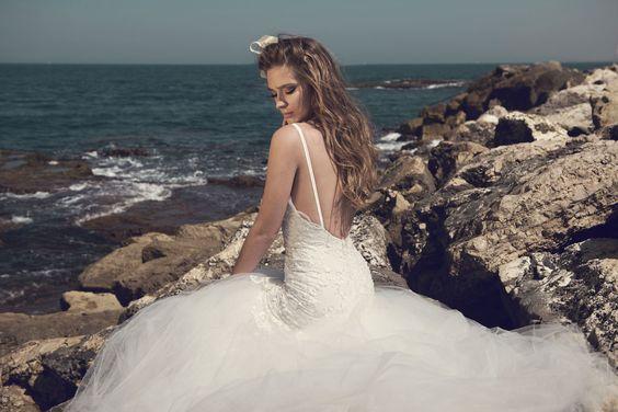 Julie-Vino-AJ-Bridal-Collection-2017_14_weddingsonline
