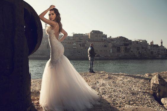Julie-Vino-AJ-Bridal-Collection-2017_18_weddingsonline