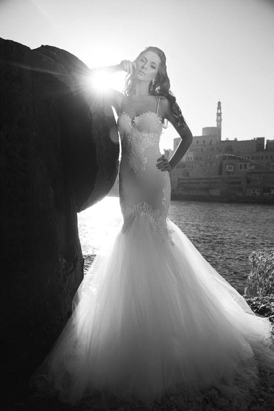 Julie-Vino-AJ-Bridal-Collection-2017_19_weddingsonline