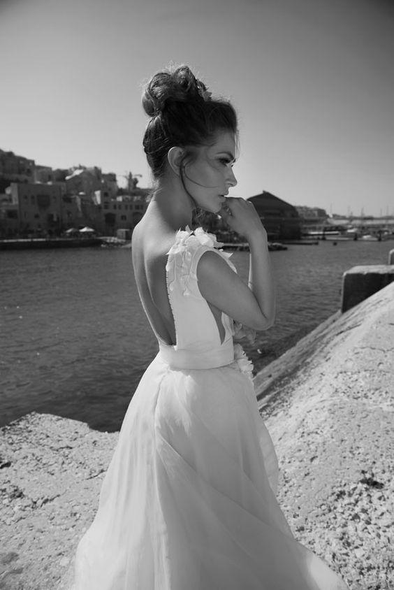 Julie-Vino-AJ-Bridal-Collection-2017_22_weddingsonline