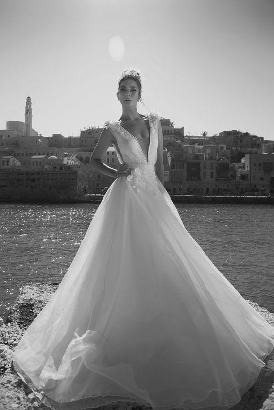 Julie-Vino-AJ-Bridal-Collection-2017_23_weddingsonline