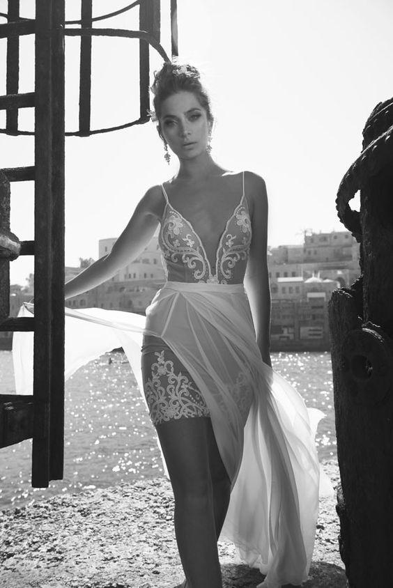 Julie-Vino-AJ-Bridal-Collection-2017_7_weddingsonline