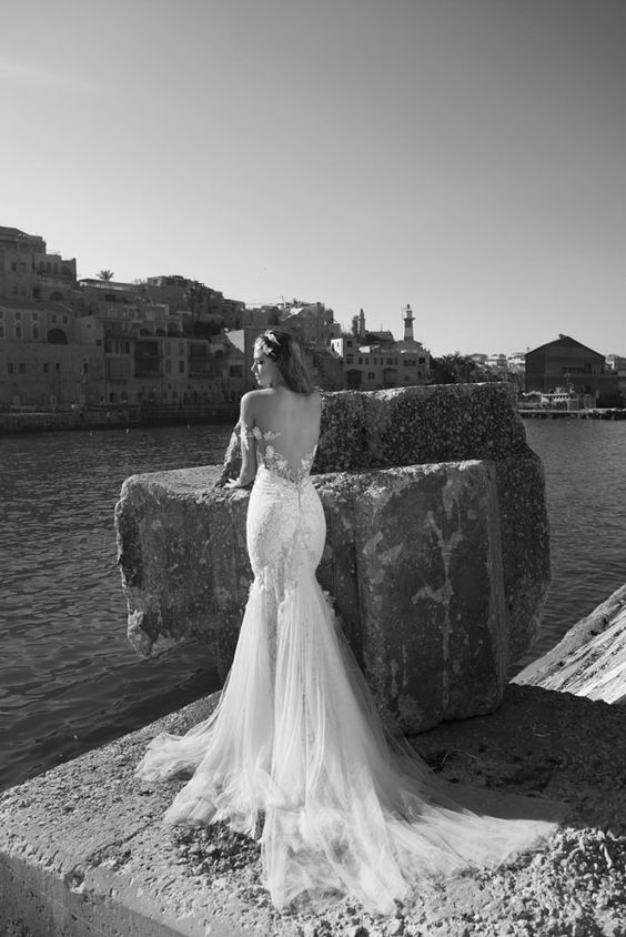 Julie-Vino-AJ-Bridal-Collection-2017_9_weddingsonline