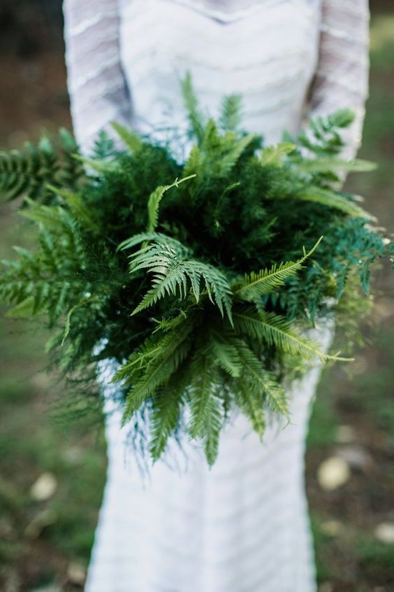 alternative-wedding-bouquet-green-fern