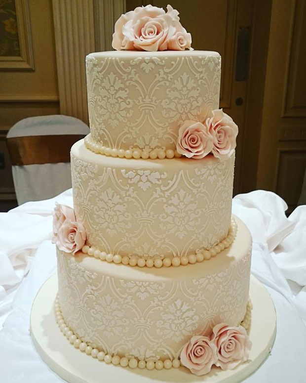 elegant-wedding-cake-marias-cakes
