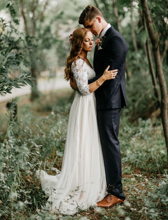 enchanted-forest-wedding-couple-dress