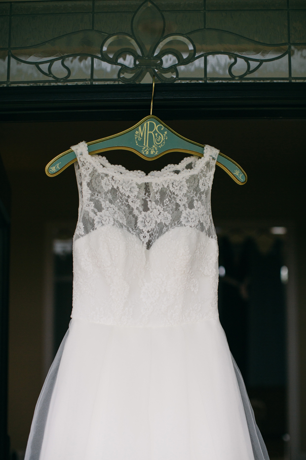 12 of the Best Bride & Bridesmaid Hanger Ideas | weddingsonline