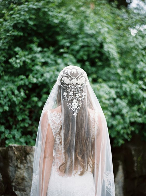 lace-gossamer-veil-forest-wedding-theme