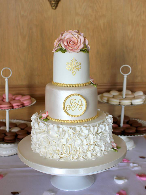 3 layered wedding cake 28 gorgeous wedding cakes from cake makers 10195