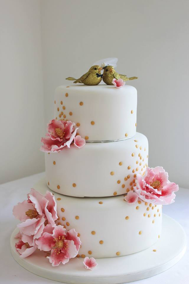 Three Tear Wedding Cakes.28 Gorgeous Wedding Cakes From Irish Cake Makers Weddingsonline