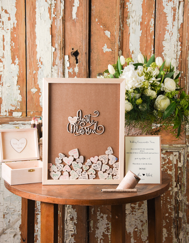 wooden-heart-frame-guestbook