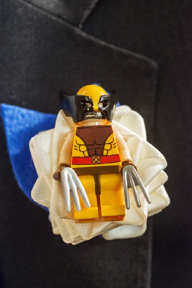 x-men-wolverine-lego-wedding-boutonniere