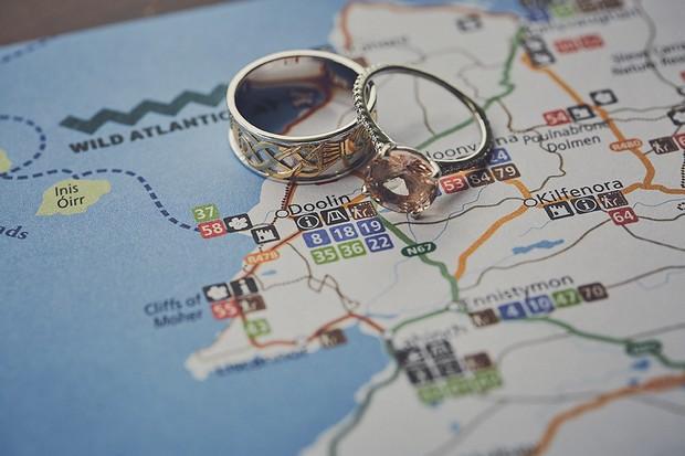 3-Wild-Atlantic-Way-Wedding-Elopement-Ireland-DKPhoto-weddingsonline (2)