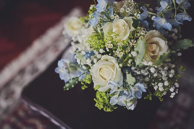 4-Wedding-Bouquet-Blue-yellow-pastel-DKPhoto-weddingsonline