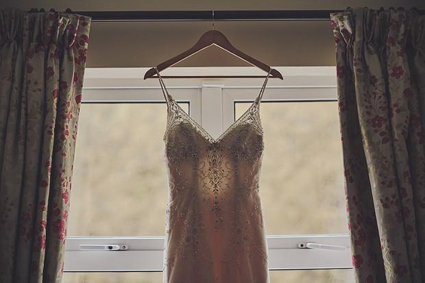 6-Vintage-style-wedding-dress--DKPhoto-weddingsonline