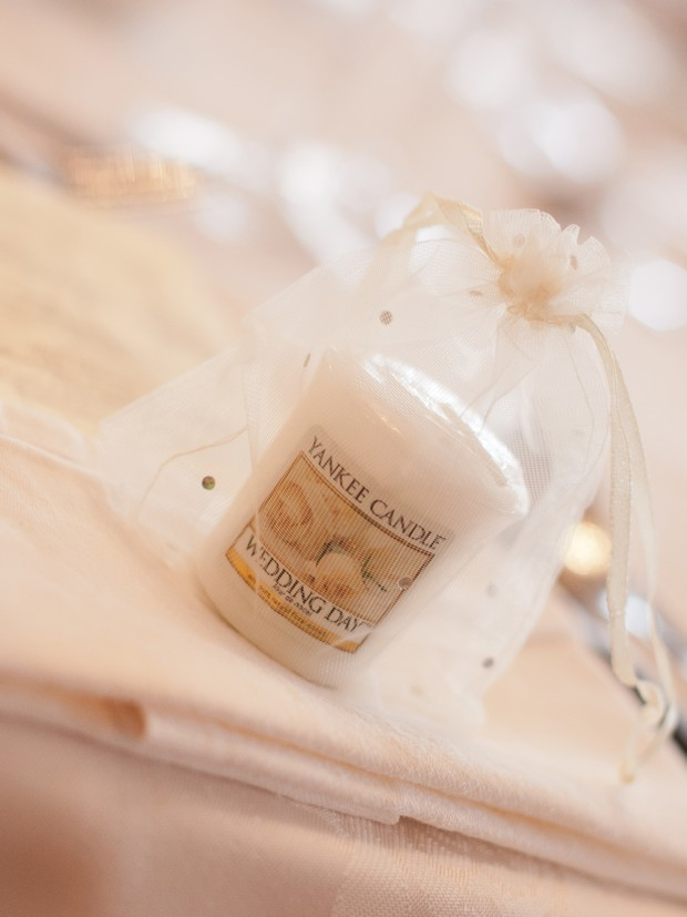bellingham-castle-real-wedding-yankee-wedding-candle-favour
