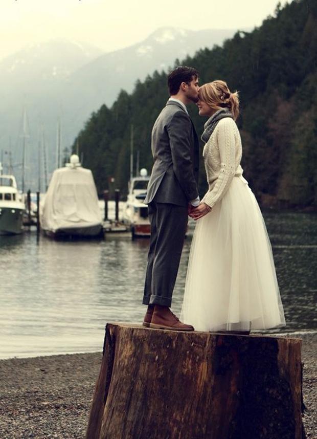 bride-in-woolly-jumper