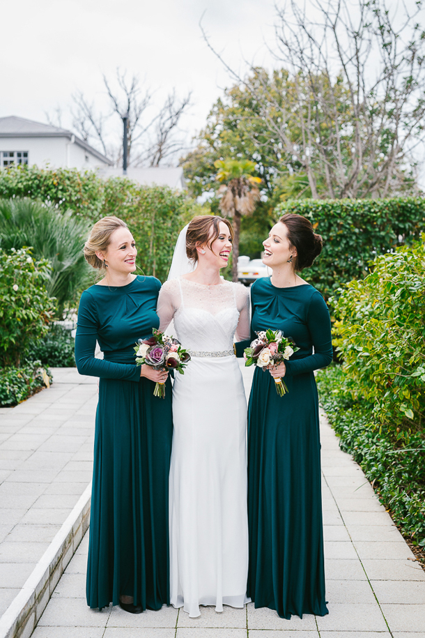 bridesmaid-in-long-sleeved-dresses-long-sleeve-bridesmaid-dresses