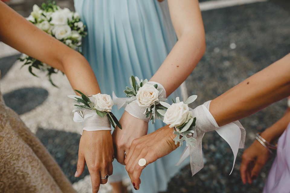 bridesmaids-corsages