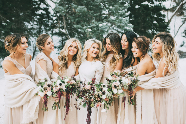 bridesmaids-in-cosy-pashminas