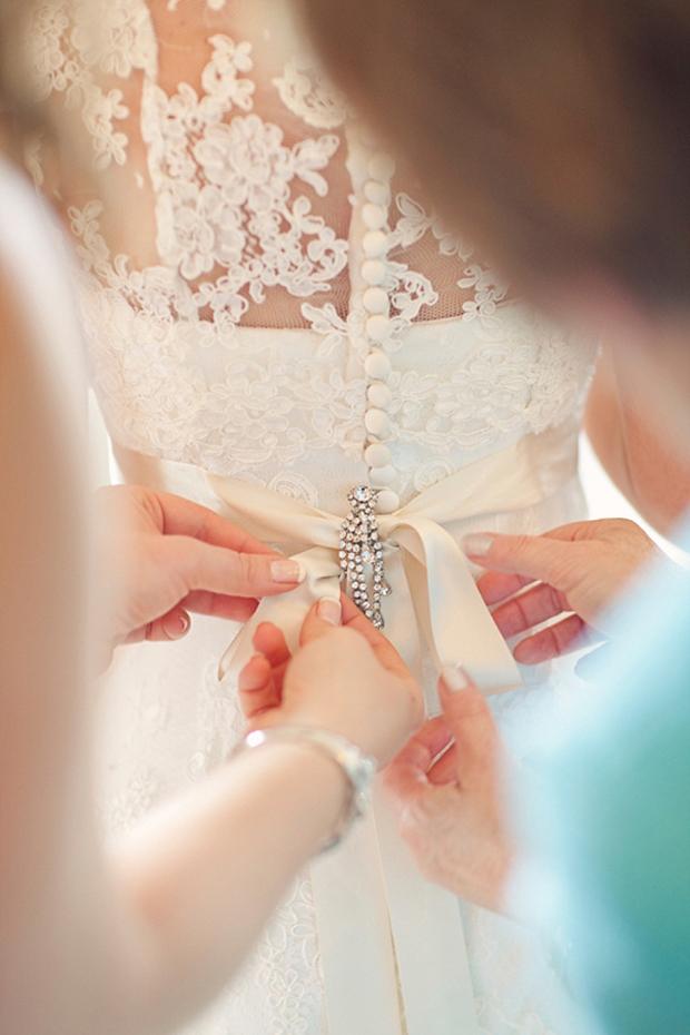 brooch-detail-wedding-dress-belt