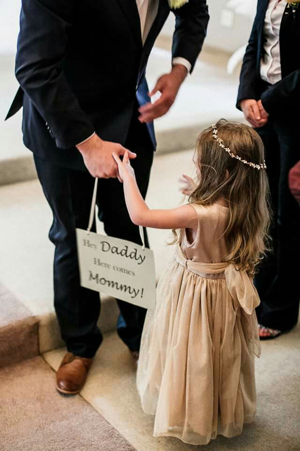daddy-here-comes-mammy-wedding-sign