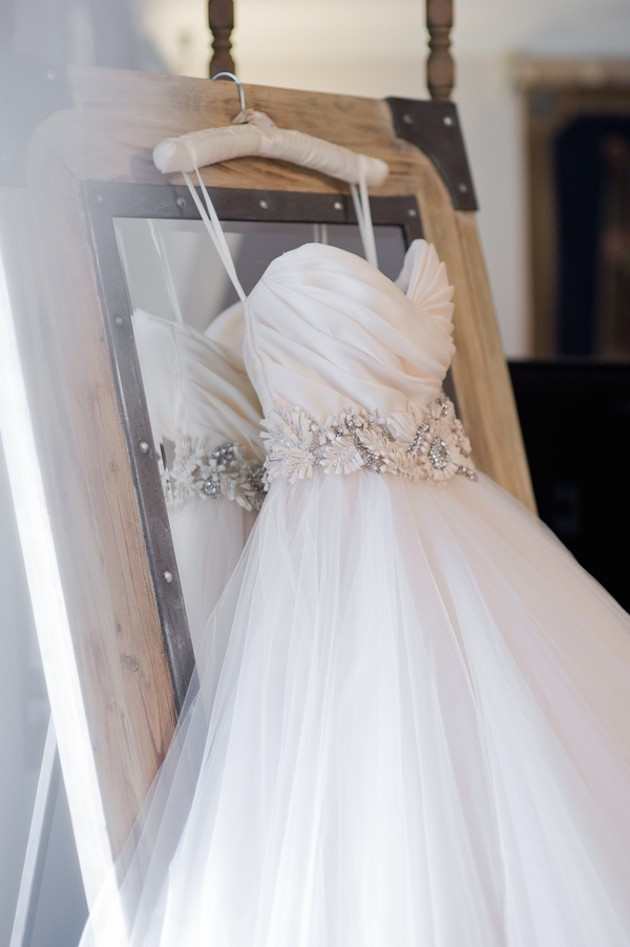 exciting-wedding-buys-wedding-dress