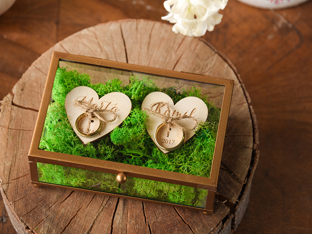 Glass Ring Box With Wooden Hearts