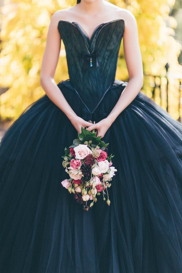 Black swan dress halloween wedding