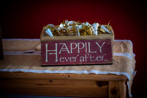 happily-ever-after-box-with-confetti