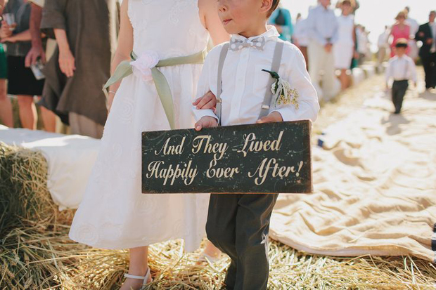 happily-ever-after-wedding-sign
